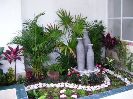 Tips para crear decorar y renovar tu jard n notiblog for Jardines para patios de casa